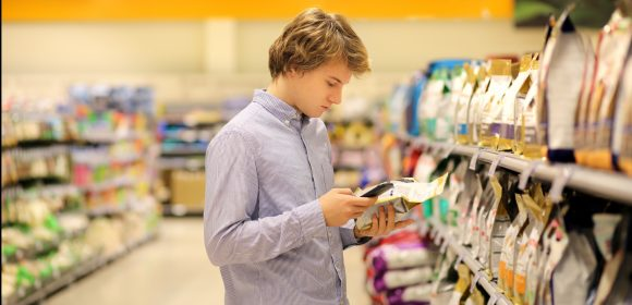 Las etiquetas de los productos, lo más leído del supermercado