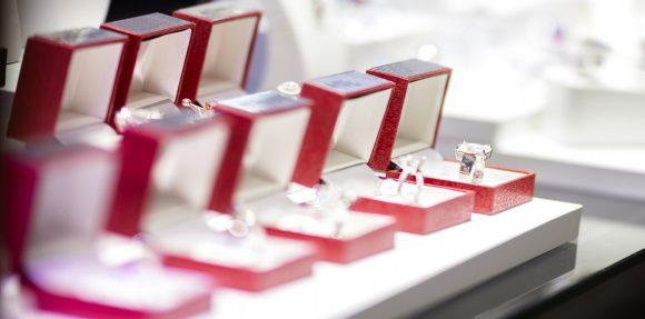 Consumo recuerda que las joyas de platino, oro y plata deben incluir un contraste de origen y otro de garantía