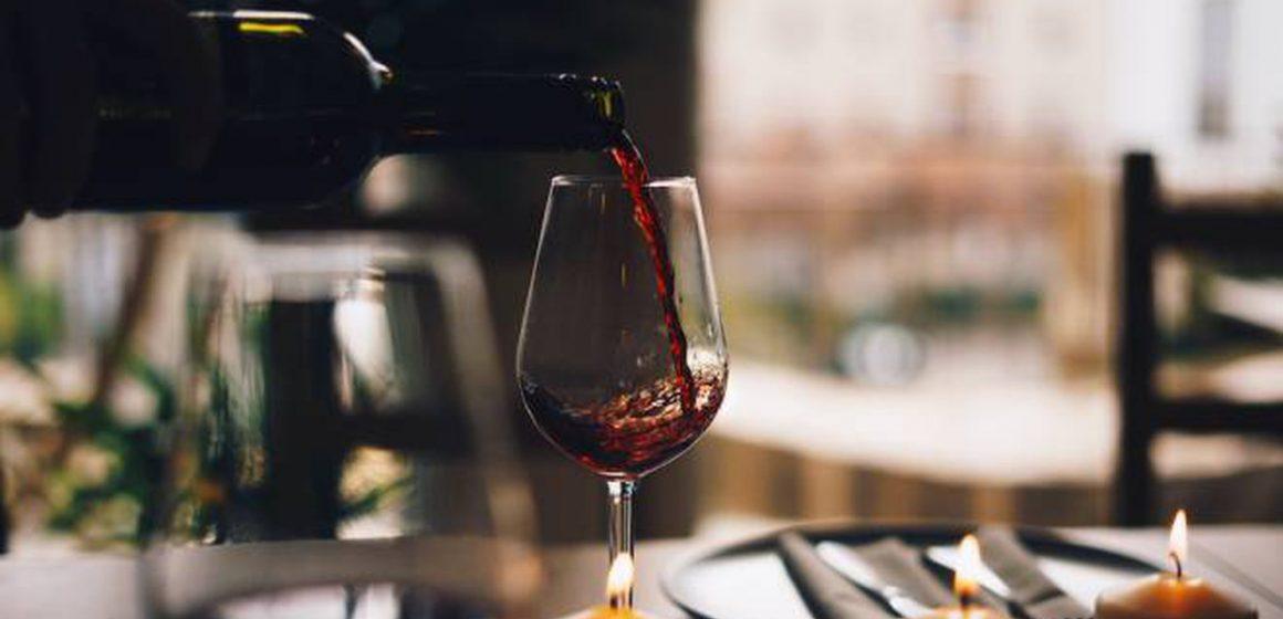 Subir el precio del alcohol no logra reducir su consumo en Europa