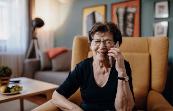 Más del 75% de los usuarios considera a las personas mayores más vulnerables ante las empresas