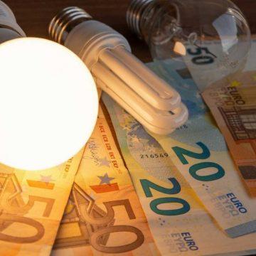 La Unión de Consumidores considera positivas las medidas para reducir la factura de la luz