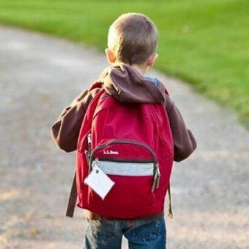 Cuánto debe pesar la mochila escolar y cómo usarla para evitar lesiones
